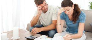 couple-worry-money
