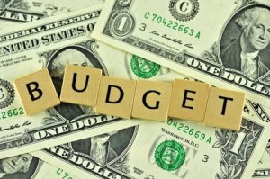 budgeting-money-to-conquer-debt